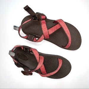 Chaco Girls Size 4 Sandals Zebra Pink Brown
